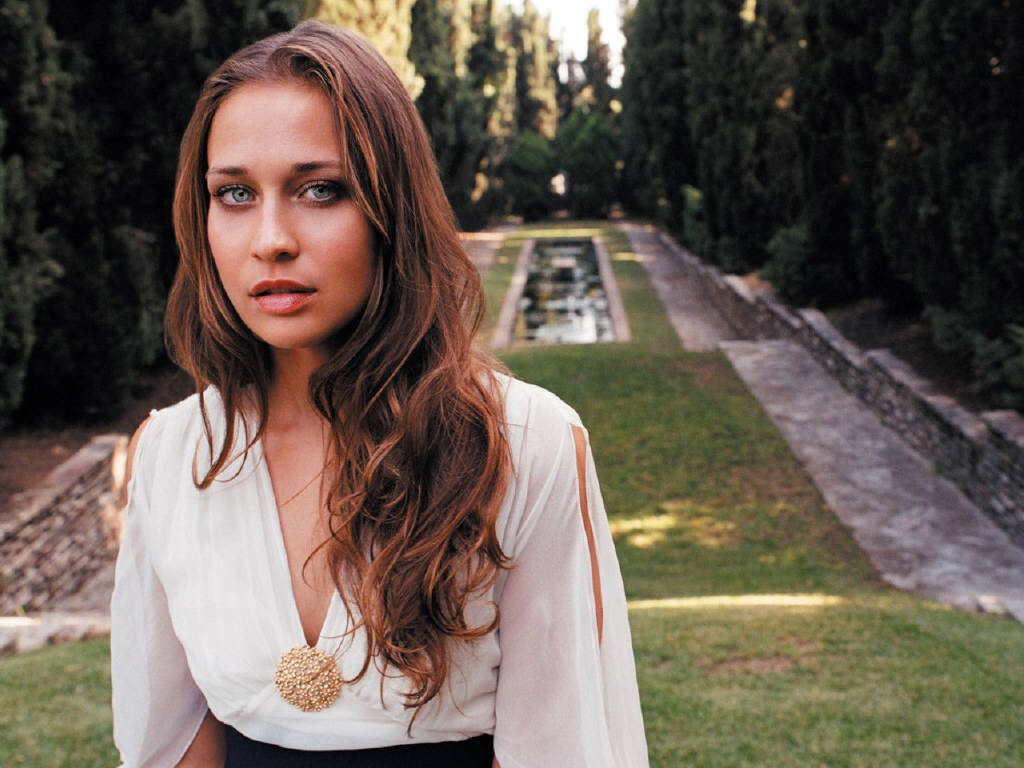 fiona-apple-fiona-apple-279277_1024_768