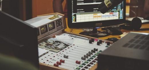 soundboard-1209885_960_720