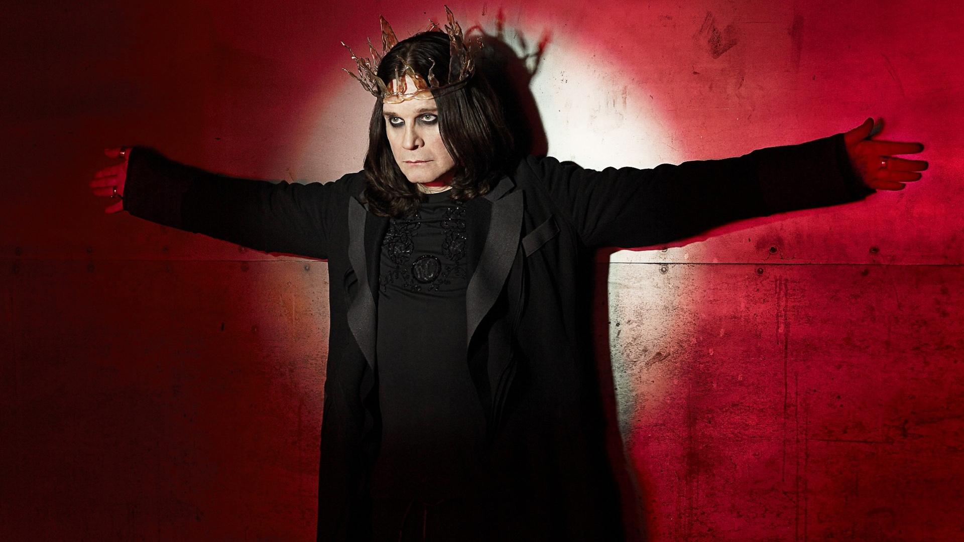 [Kilas Balik] Ozzy Osbourne Gigit Kelelawar di Panggung