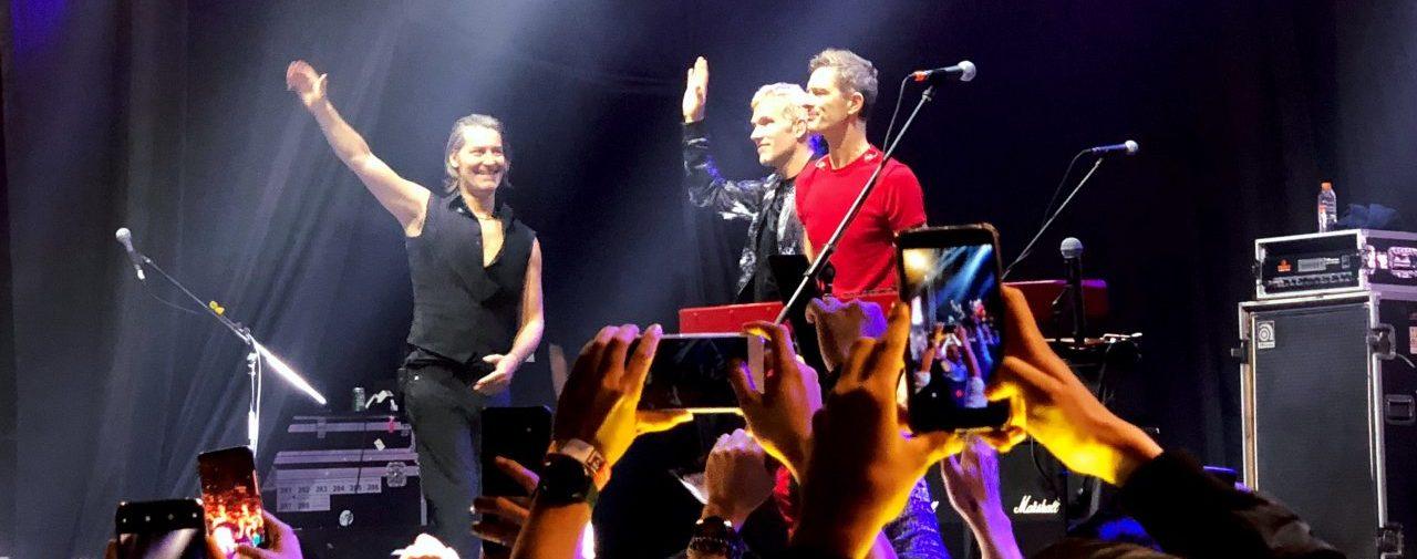Pecah!! Begini Kemeriahan Konser Michael Learn To Rock di Senayan