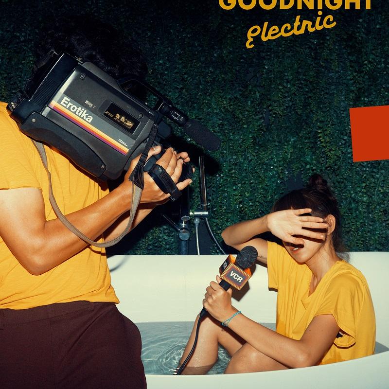 Goodnight Electric Muncul lebih Gelap dengan Erotika