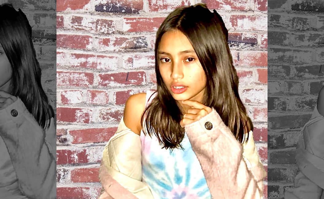 """Penyanyi Remaja, Sorenza Nuryanti, Lepas Single """"Pink Jeans"""""""